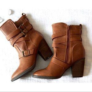 Steve Madden Brown Heeled Zip Up Boots size 7!